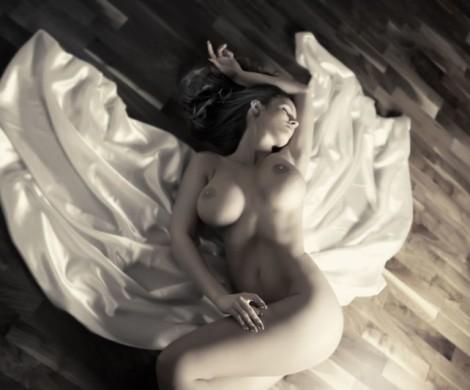 modelka akty fine art nude